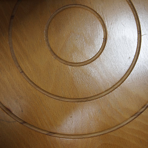 木の波紋、年輪、三重丸。